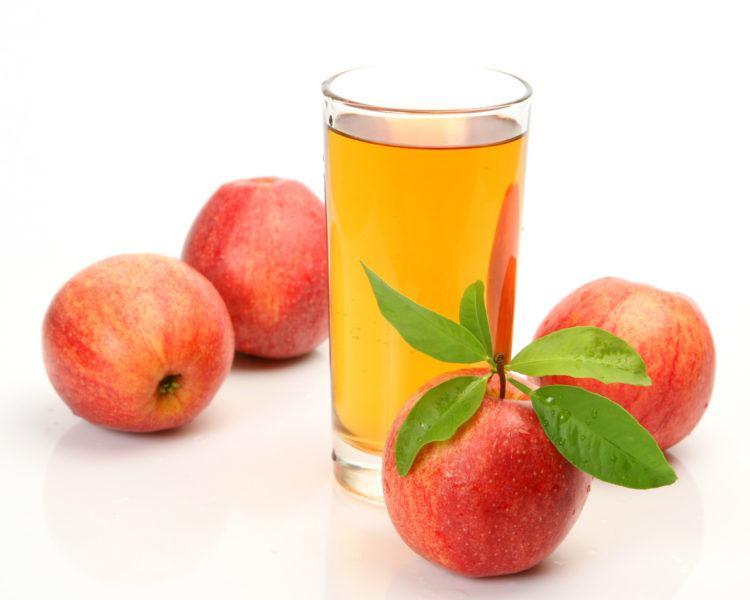 Cách trị sưng môi bằng giấm táo