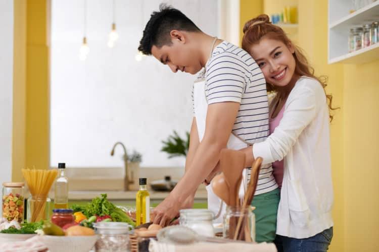 con gai gan gui cha12 e1528453794497 - 12 lý do tại sao bạn nên yêu một cô nàng gần gũi với cha