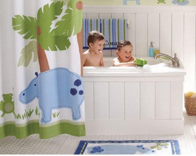 Giữ an toàn cho trẻ trong phòng tắm