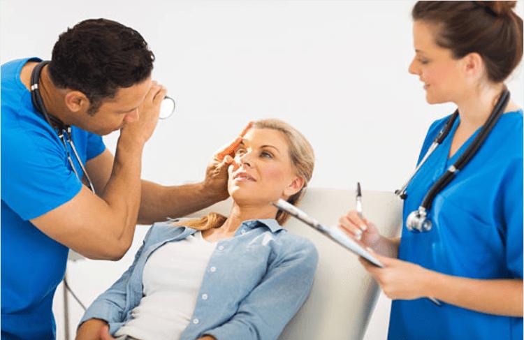 cách chữa phỏng mắt
