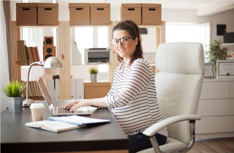 tài chính của phụ nữ muốn có con sau 30
