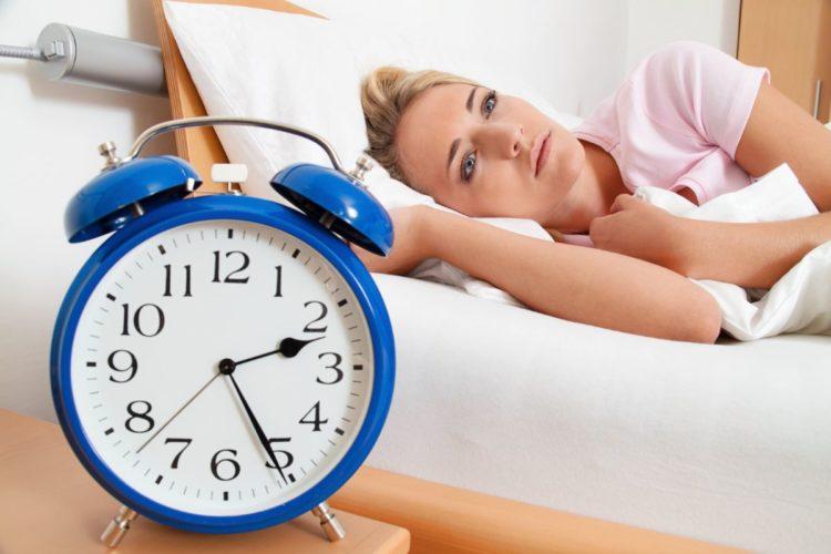 điểm bấm huyệt giúp bạn ngủ ngon